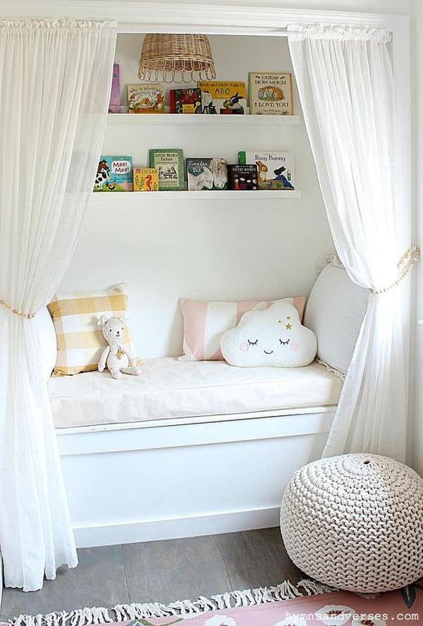 cozy-reading-nook-for-little-girl