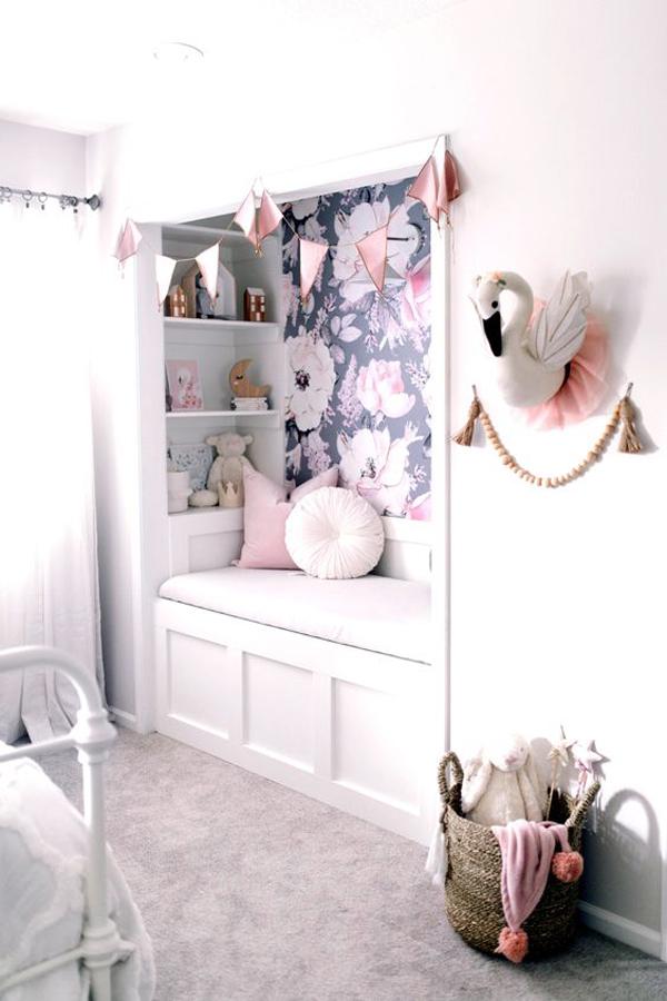 cute-closet-reading-nook-for-little-girl