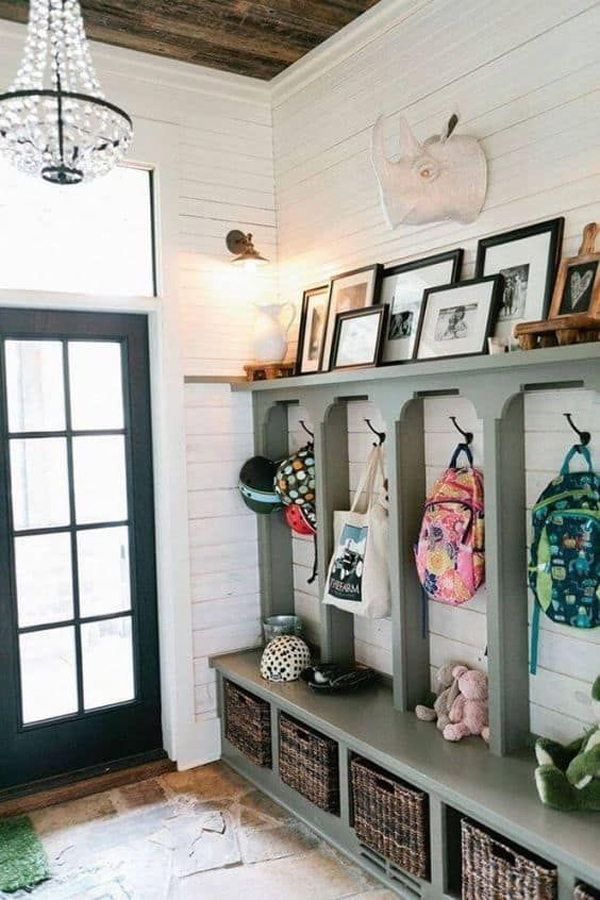 diy-farmhouse-style-mudrooms-with-kids-organize
