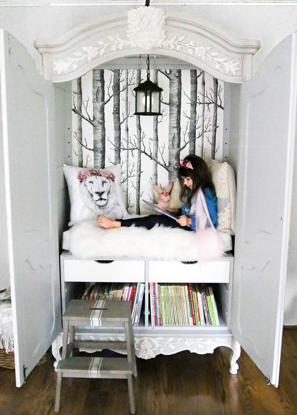 diy-narnia-inspired-closet-reading-nook