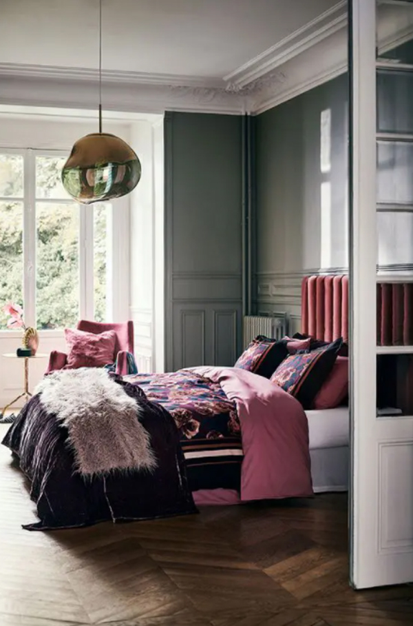 glam-purple-bedroom-with-open-concept