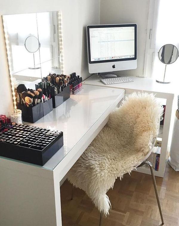 gorgeous-vanity-room-with-workspace