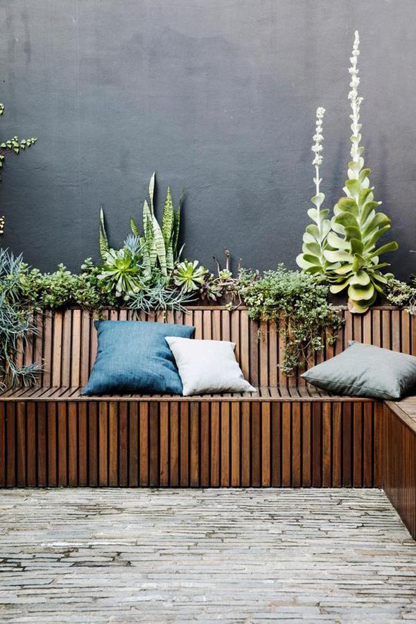 nature-inspired-wood-garden-seats