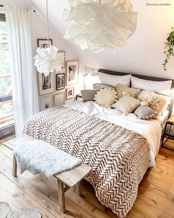 neutral-millennial-bedroom-with-wood-accents