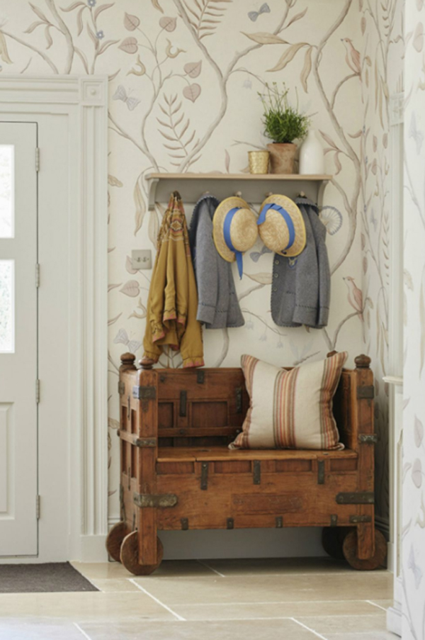 old-farmhouse-mudrooms-for-tiny-spaces