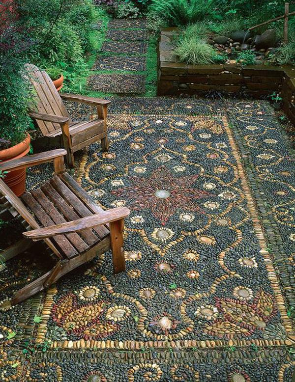 pebble-mosaic-garden-decoration