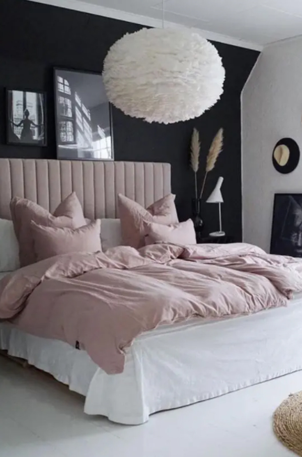 pink-millennial-bedroom-with-black-accent-wall