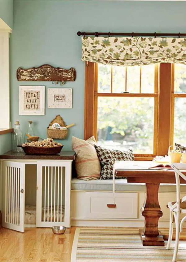 rustic-dining-room-with-dog-crates-table