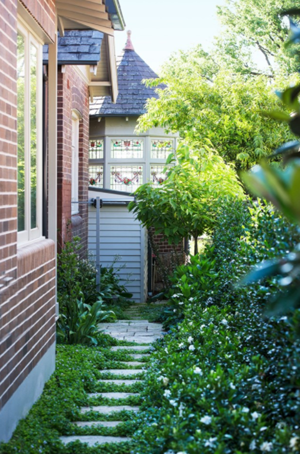 sandstone-side-garden-pathway
