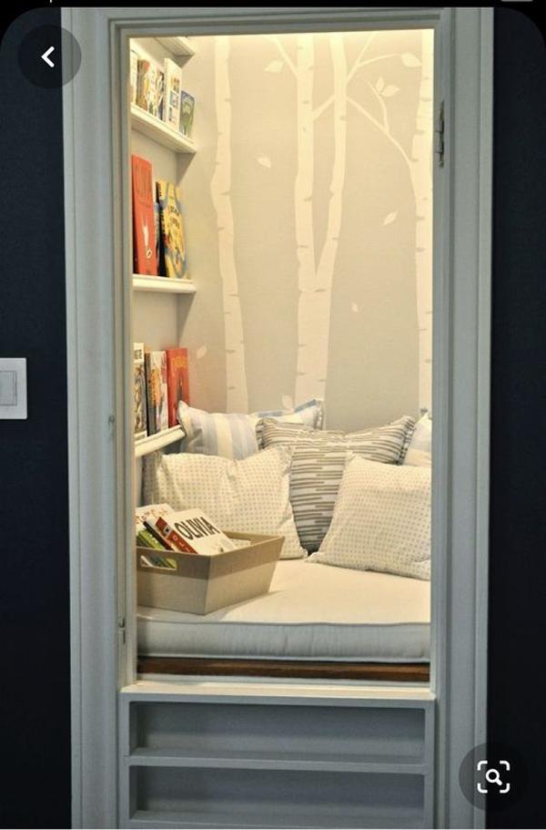 secret-closet-reading-nook-for-kids