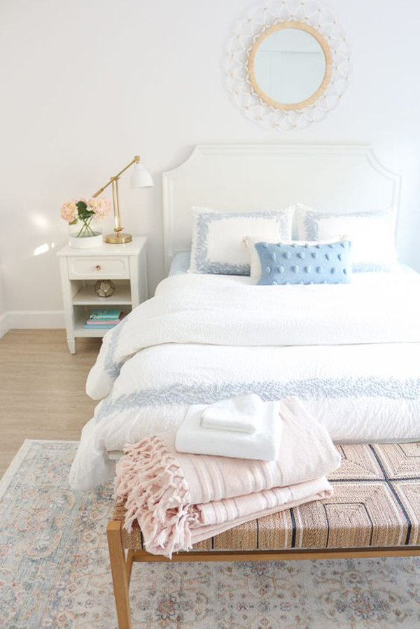 simple-and-elegant-bedroom-for-millennial