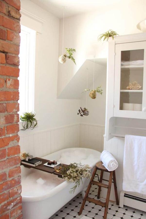 small-diy-spa-bathroom-with-brick-exposed