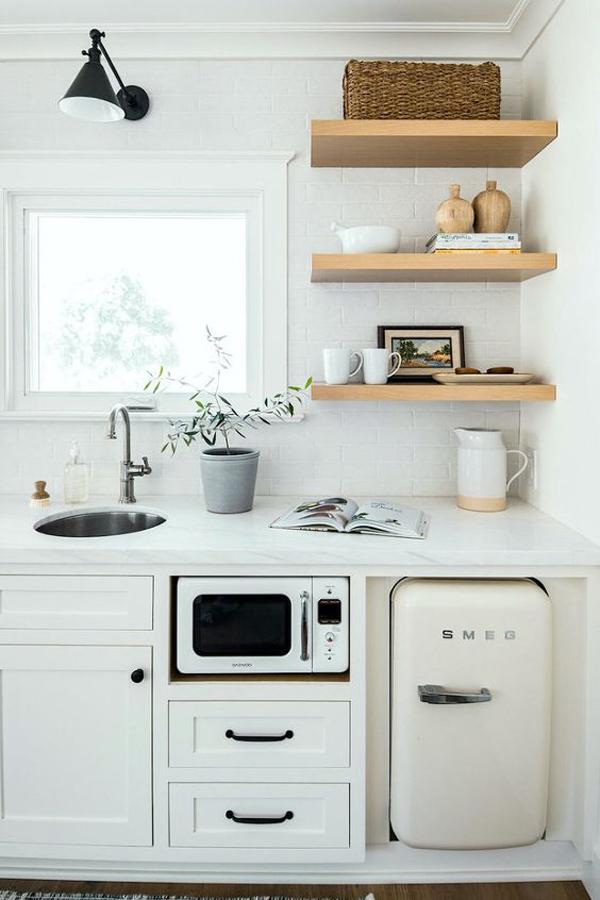 small-kitchen-color-and-decor-ideas