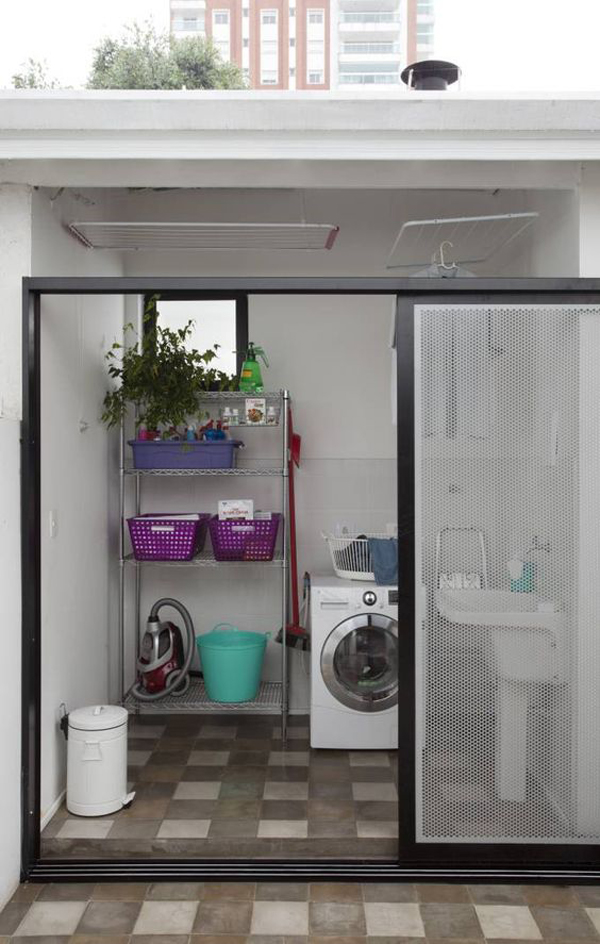 small-laundry-room-design-with-sliding-glass-door