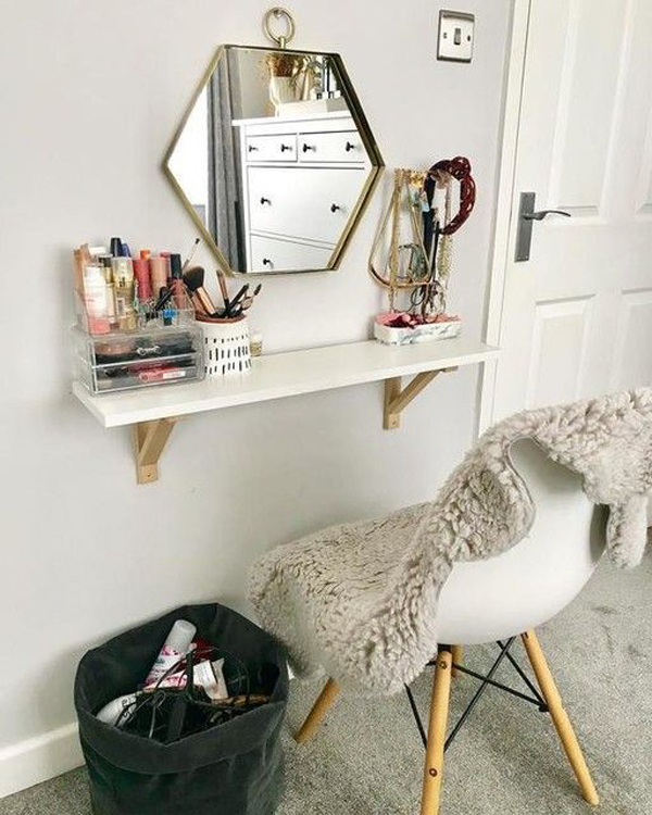 small-vanity-room-with-floating-desk