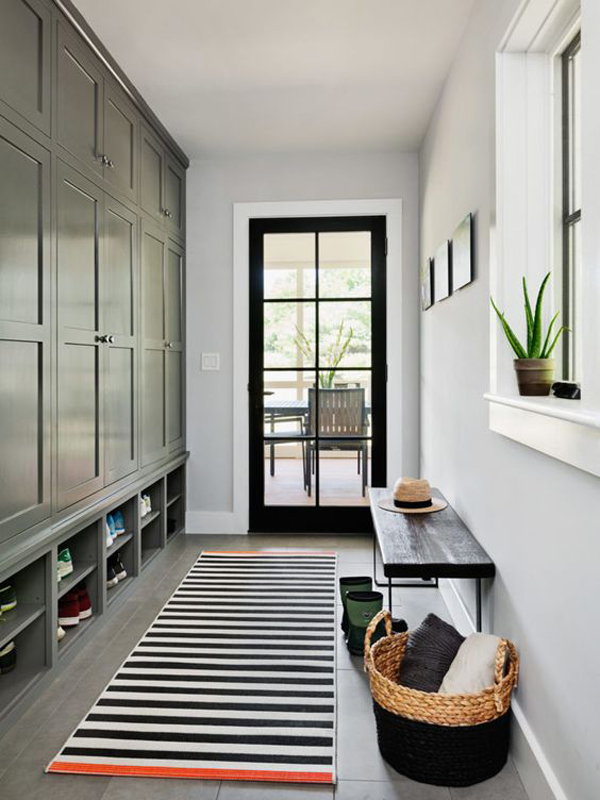 stylish-mudrooms-with-cabinet-storage