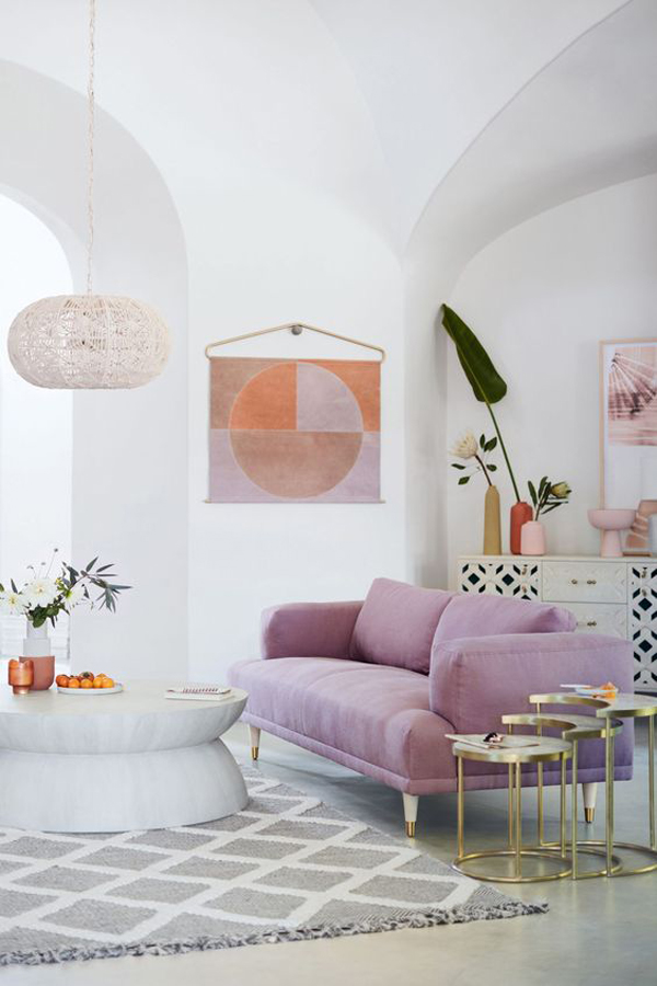 super-chic-living-room-with-lilac-color