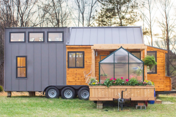 tiny-home-with-greenhouse