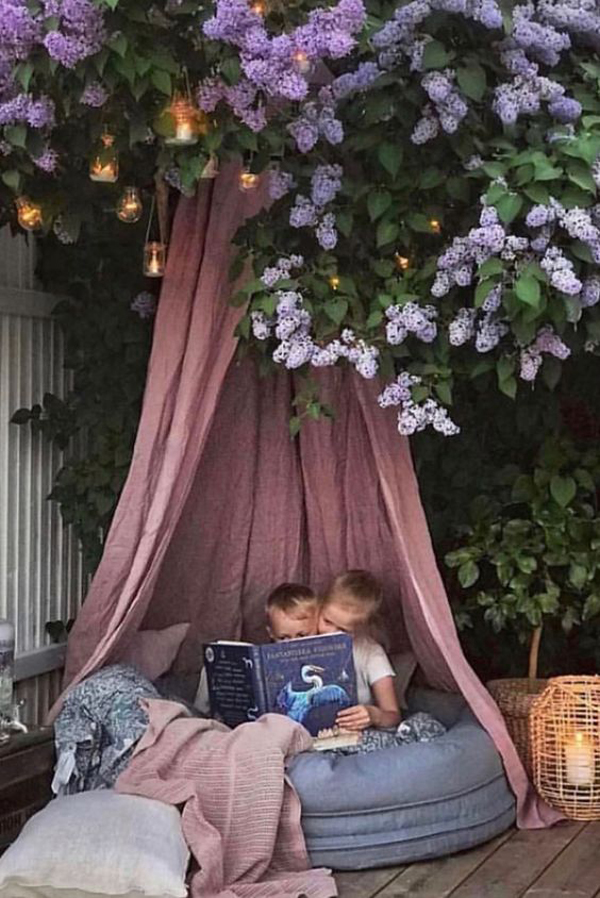 beautiful-outdoor-reading-area-with-canopy