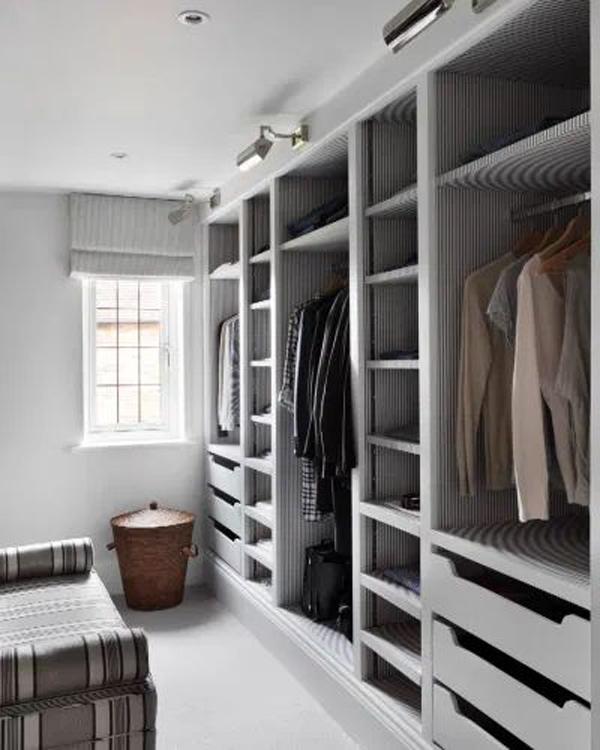 calm-walk-in-closet-design
