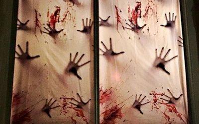 creepy-hand-and-blood-halloween-window-decor