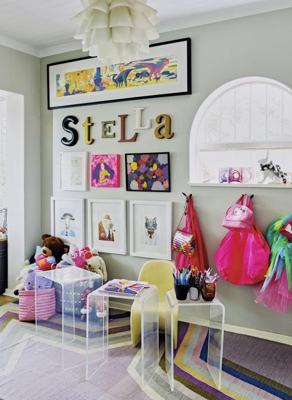 displaying-art-wall-in-kids-room