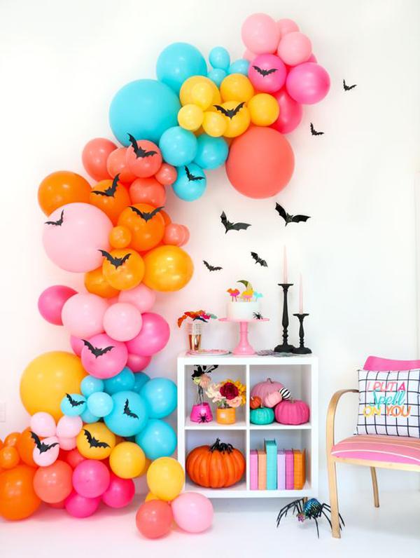 diy-colorful-halloween-bat-balloon-garland