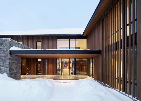 four-pines-front-door-landscape