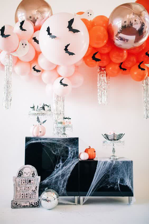 fun-and-scary-halloween-party-ideas-with-balloons
