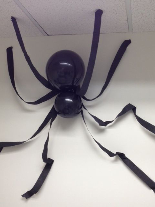 giant-halloween-spider-balloons