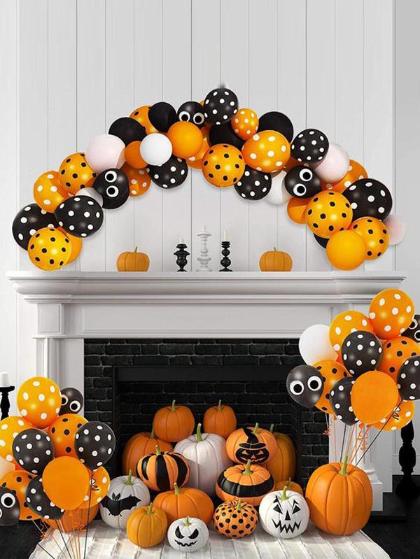 halloween-mantel-balloon-garland-ideas