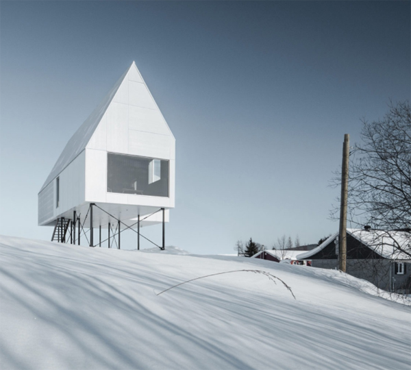 high-house-in-the-snow