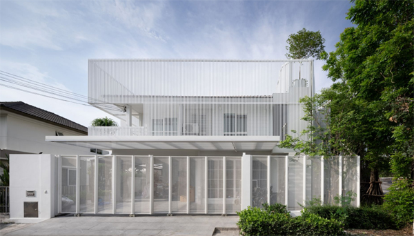 house-cover-with-fence-design