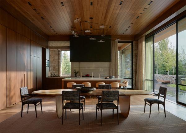 indoor-outdoor-four-pines-interior