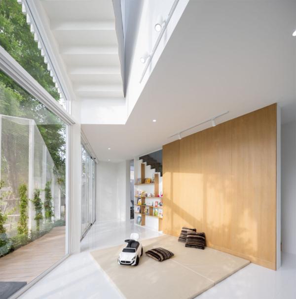 indoor-outdoor-playroom-design