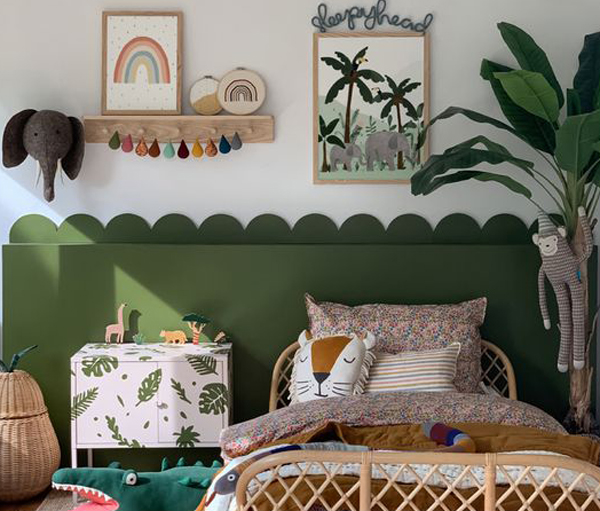 kids-gallery-wall-with-jungle-theme