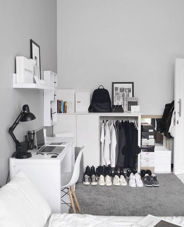 minimalist-ten-bedroom-with-walk-in-closet