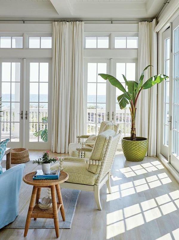 minimalist-tropical-sunroom-decor