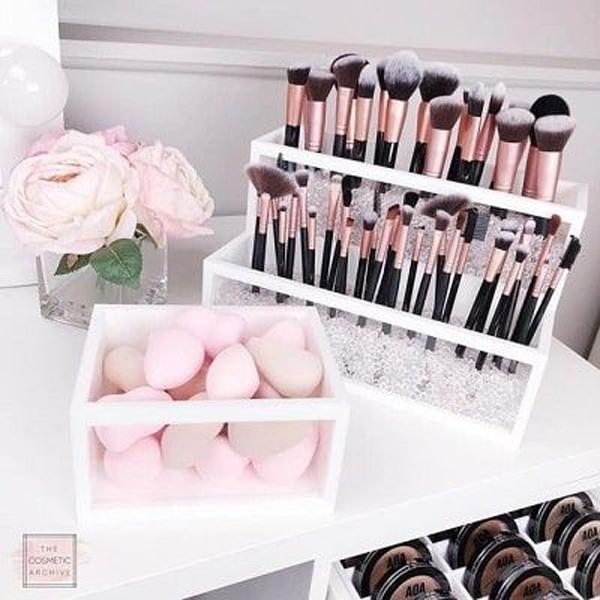pretty-pink-makeup-organizer