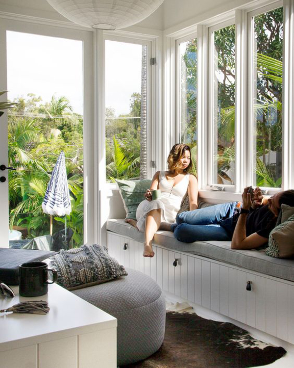 romantic-tropical-sunroom-decor