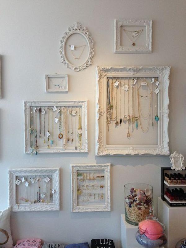 rustic-diy-jewelry-frame-wall-storage