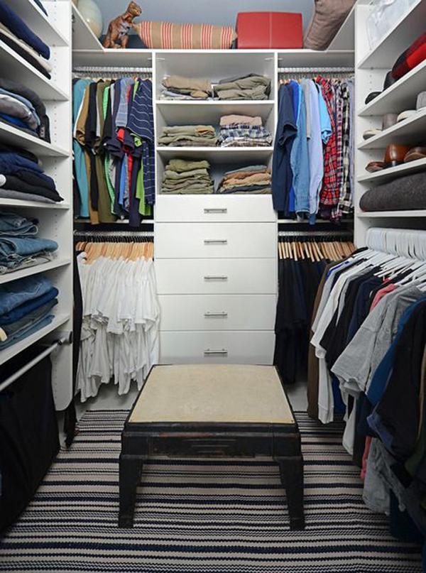 small-walk-in-closet-for-men