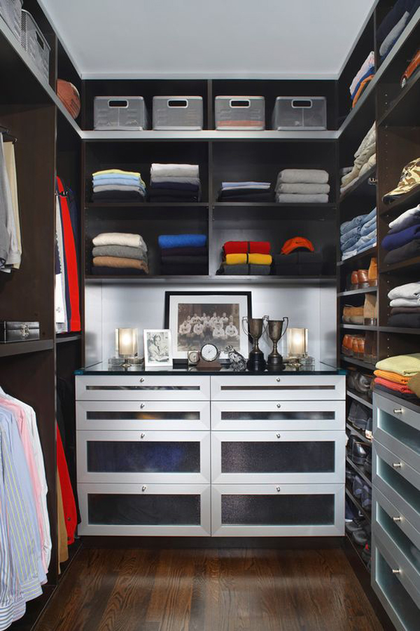 stylish-and-exciting-walk-in-closet