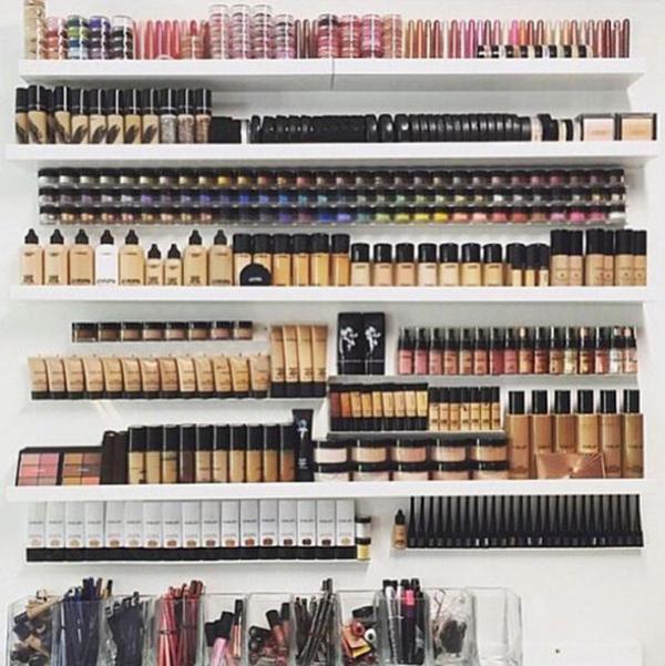 trendy-makeup-rack-organizer