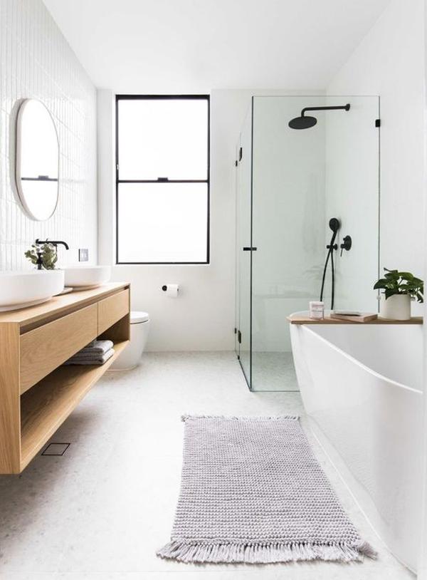 white-farmhouse-bathroom-decor