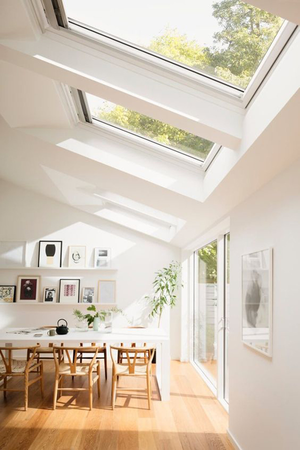 amazing-dining-space-with-open-concept-and-skylights