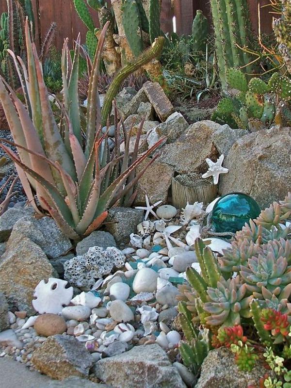 awesome-beach-style-garden-art-decor