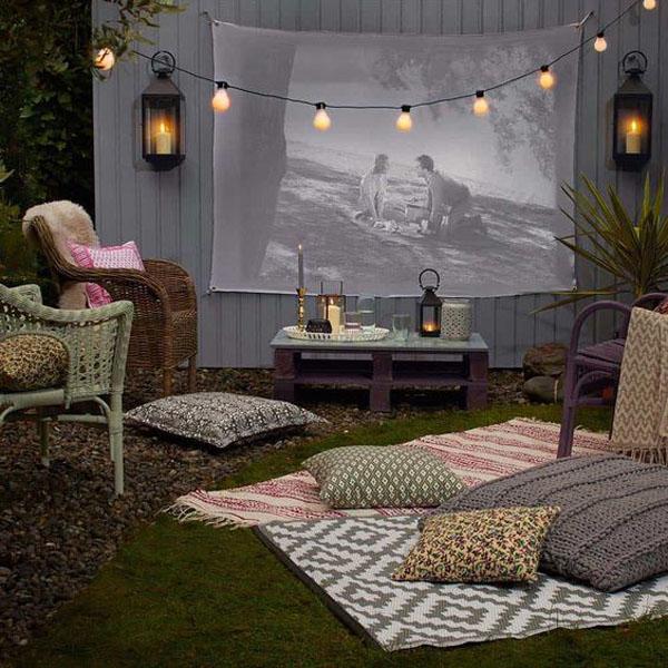 cool-backyard-movie-theater-design