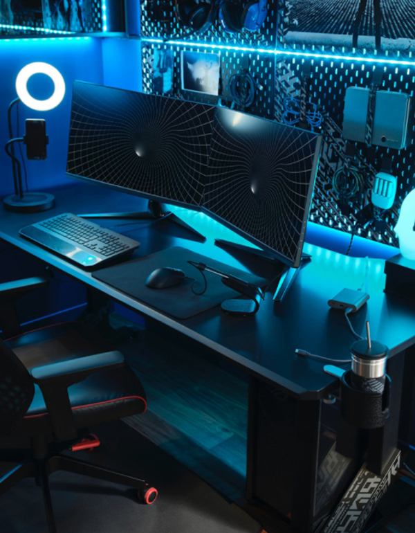cool-gaming-desk-with-smart-organizer