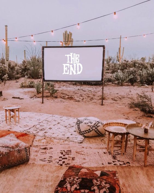 desert-backyard-movie-night-ideas